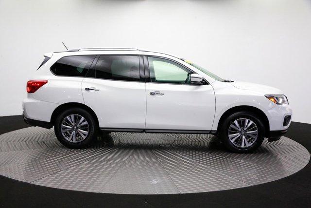 2018 Nissan Pathfinder for sale 122574 3