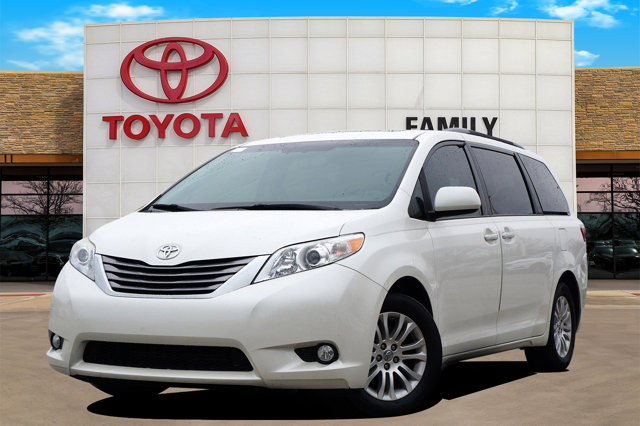 Used 2017 Toyota Sienna in Burleson, TX