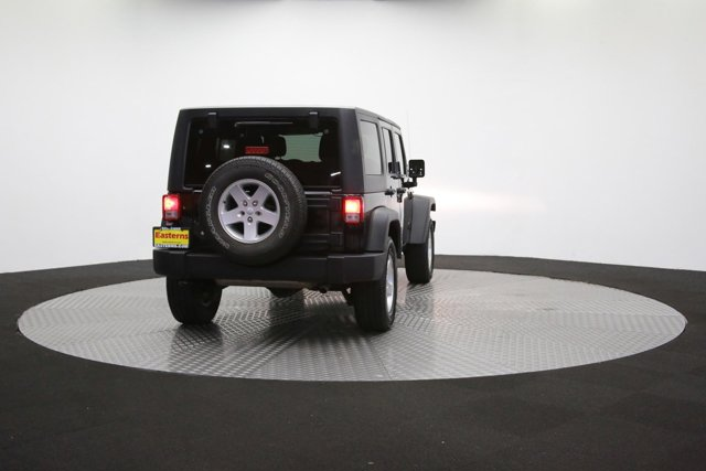 2016 Jeep Wrangler Unlimited 124726 33