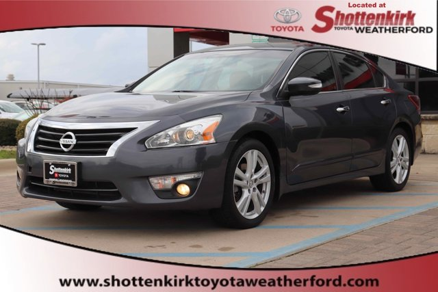 Used 2013 Nissan Altima in Granbury, TX