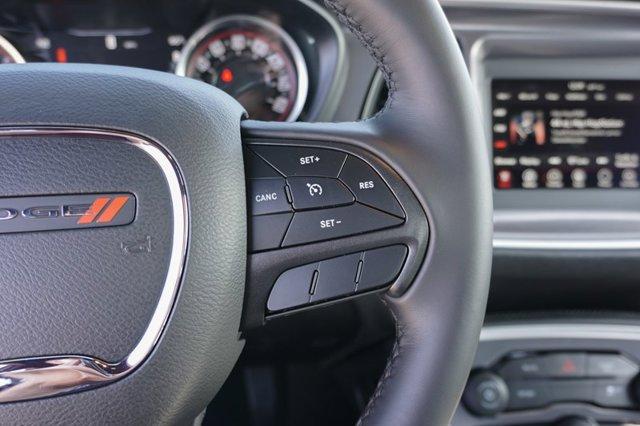 New 2019 Dodge Challenger SXT RWD