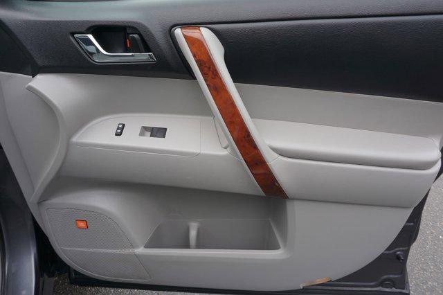 Used 2013 Toyota Highlander 4WD 4dr V6  Limited
