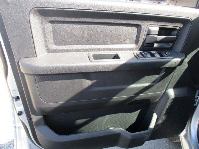 New 2017 Ram 3500 Tradesman 4x2 Crew Cab 8' Box
