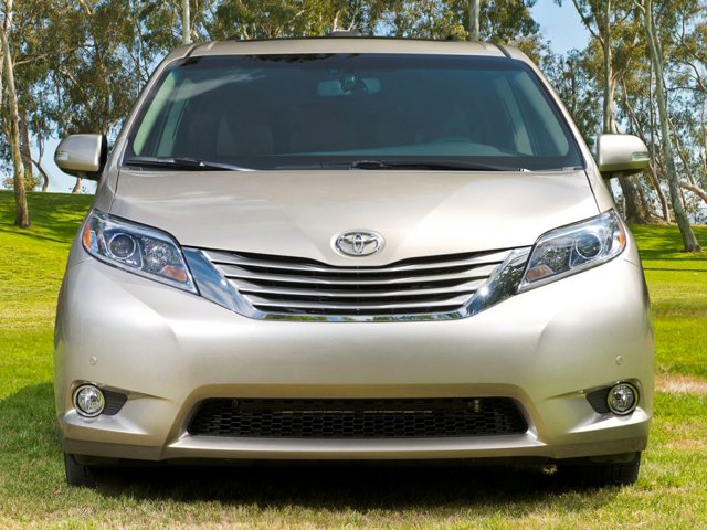 Used 2017 Toyota Sienna in Westminster, CA