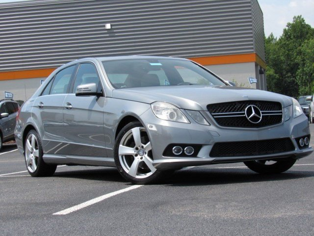 2010 Mercedes-Benz E-Class E350 Luxury photo