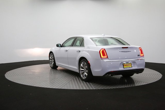 2019 Chrysler 300 122416 60
