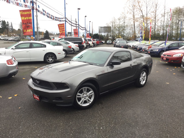 Used 2010 Ford Mustang 2dr Cpe V6