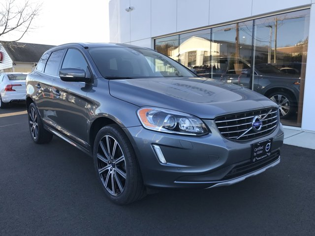 2017 Volvo XC60 INSCRIPTION PREFERRED OPTION PACKAGE  -inc Electric Folding Rear Headrests  Active