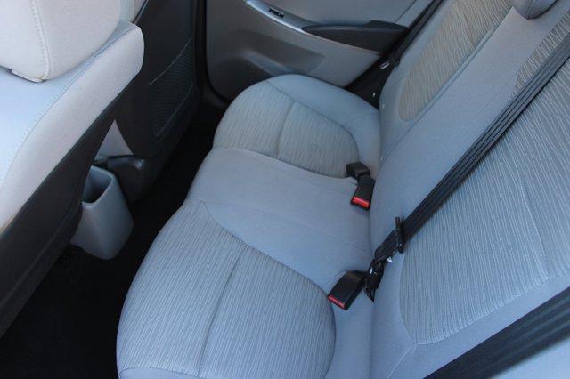 2017 Hyundai Accent SE 14