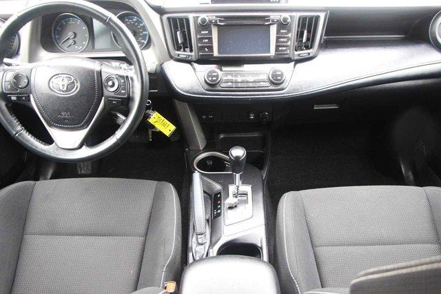 2018 Toyota RAV4 XLE 13