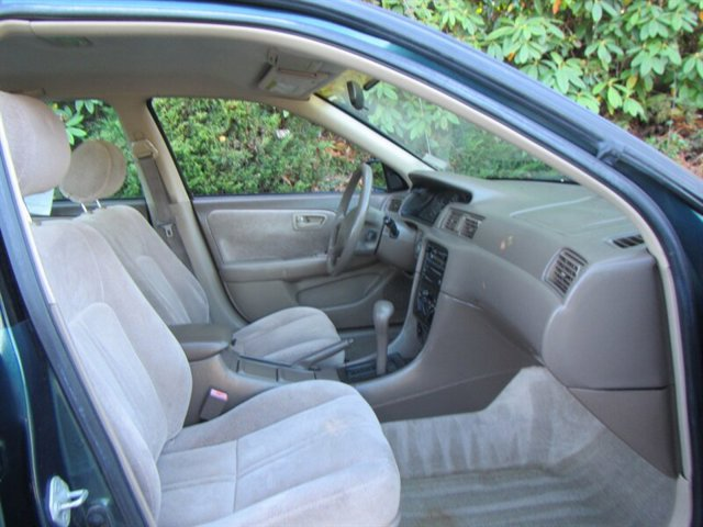 Used 1998 Toyota Camry 4dr Sdn LE Auto