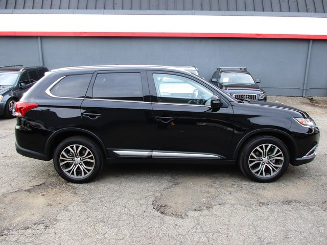 Photo 29 of this used 2017 Mitsubishi Outlander vehicle for sale in San Rafael, CA 94901