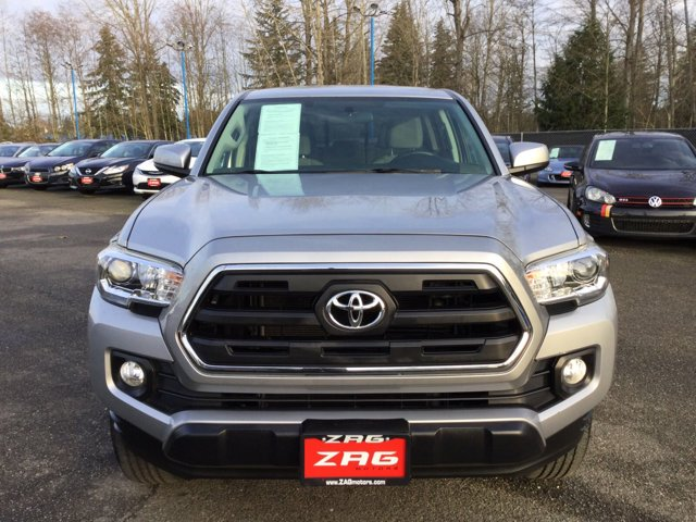 Used 2016 Toyota Tacoma 2WD Double Cab V6 AT SR5