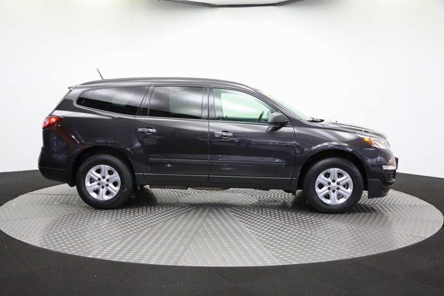 2017 Chevrolet Traverse for sale 121672 3