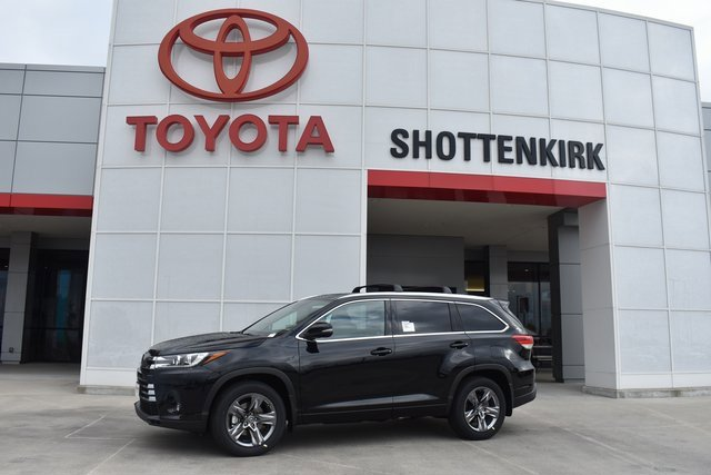 New 2019 Toyota Highlander in Quincy, IL