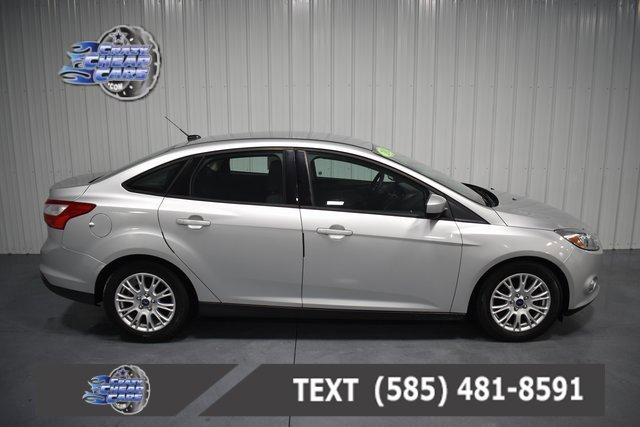 2012 Ford Focus SE photo