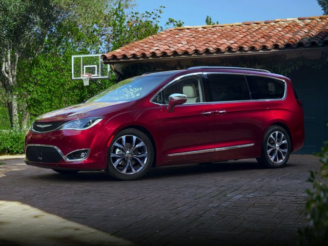 2020 Chrysler Town & Country Touring