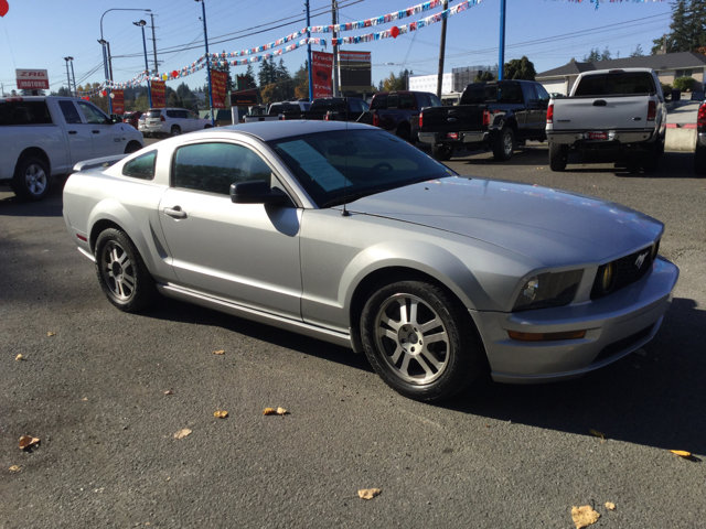 Used 2005 Ford Mustang 2dr Cpe GT Deluxe