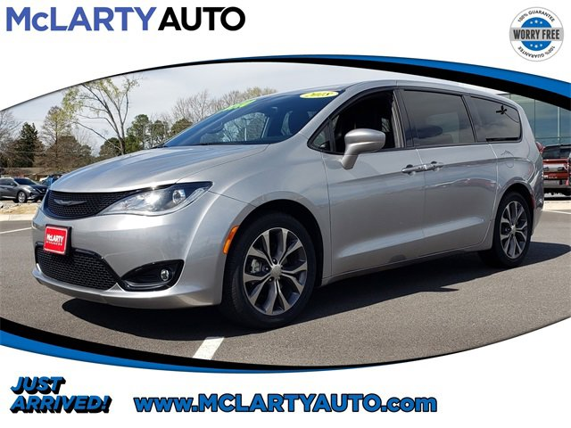 Used 2018 Chrysler Pacifica in , AR