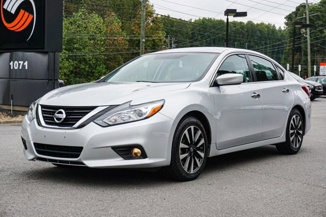 Pre-Owned 2018 Nissan Altima 2.5 SV FWD 4dr Car