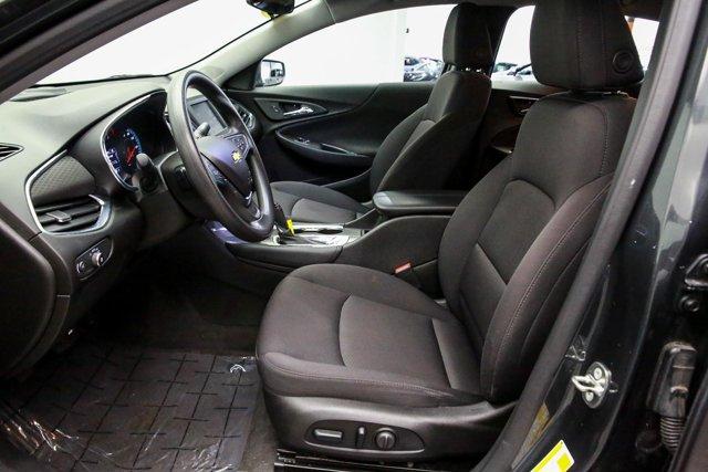 2018 Chevrolet Malibu for sale 121744 12
