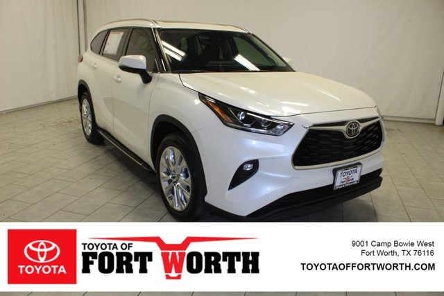 New 2020 Toyota Highlander in Fort Worth, TX