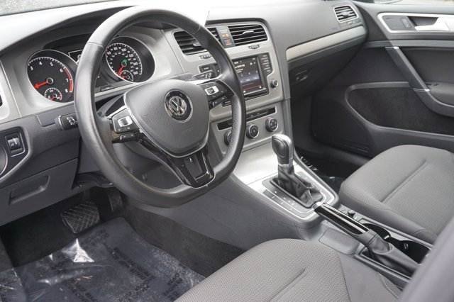 Used 2016 Volkswagen Golf TSI S FWD