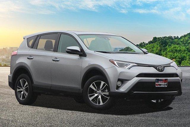 2018 Toyota RAV4 XLE 0