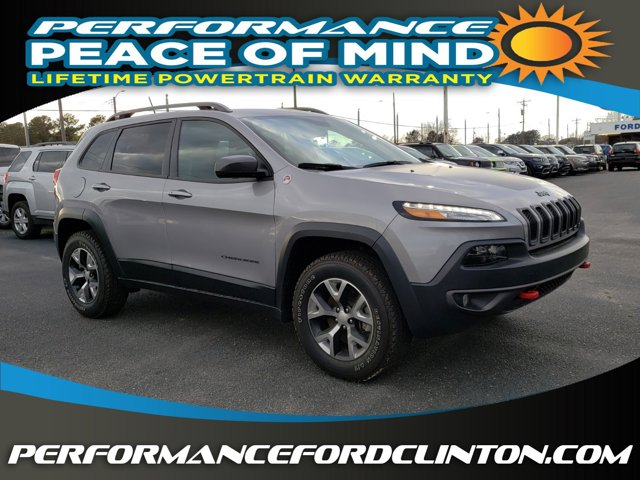 The 2018 Jeep Cherokee Trailhawk photos