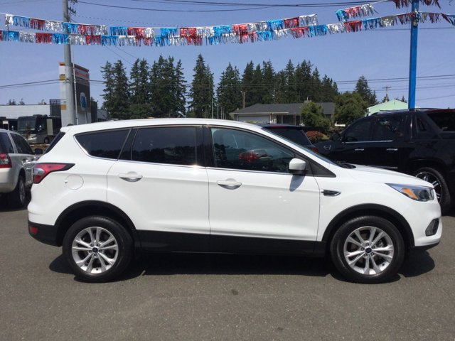 Used 2017 Ford Escape SE FWD