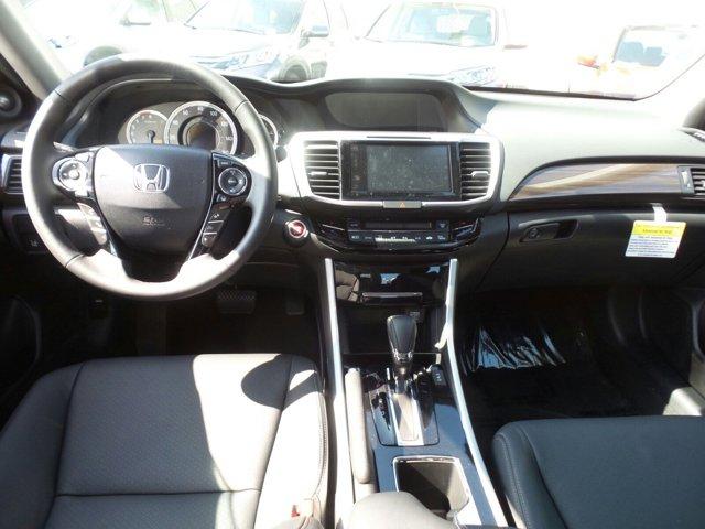New 2017 Honda Accord Sedan Touring Auto