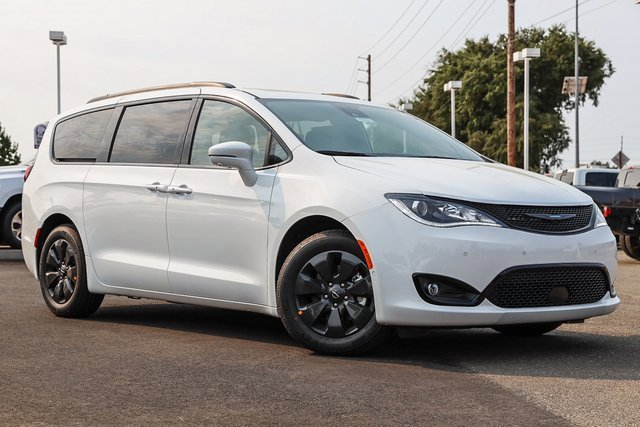 2020 Chrysler Pacifica Hybrid Hybrid Limited Hybrid Limited FWD Gas/Electric V-6 3.6 L/220 [13]