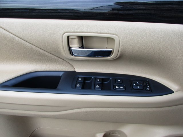 Photo 8 of this used 2017 Mitsubishi Outlander vehicle for sale in San Rafael, CA 94901