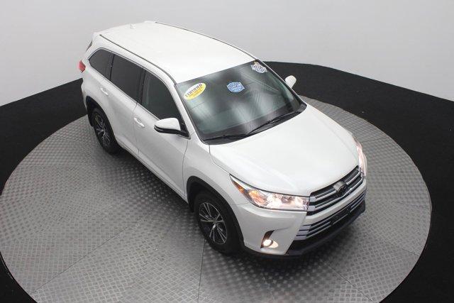 2017 Toyota Highlander for sale 124043 2