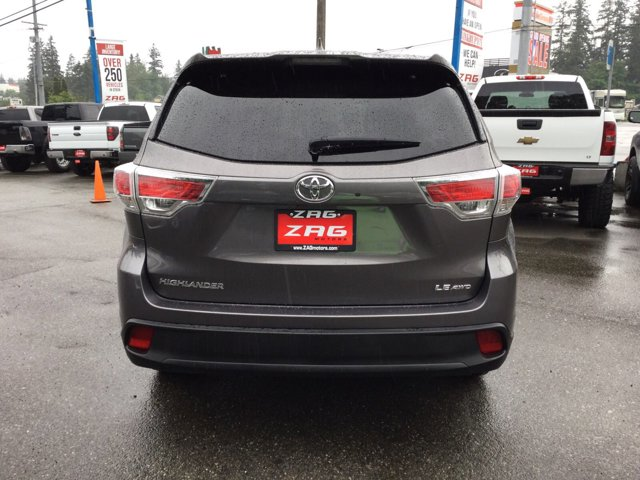 Used 2015 Toyota Highlander AWD 4dr V6 LE Plus
