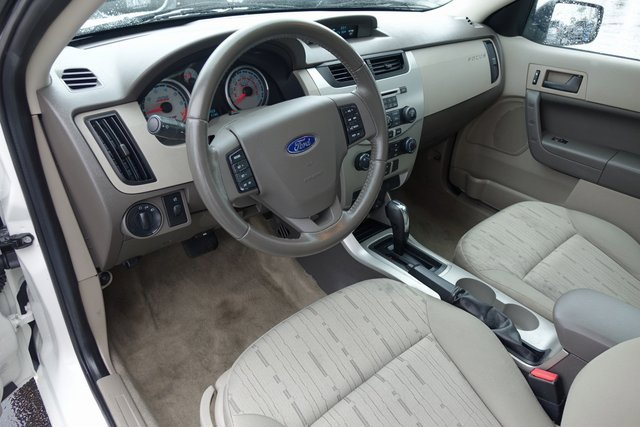 Used 2010 Ford Focus 4dr Sdn SE
