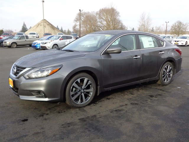 New 2017 Nissan Altima 2.5 SR Sedan