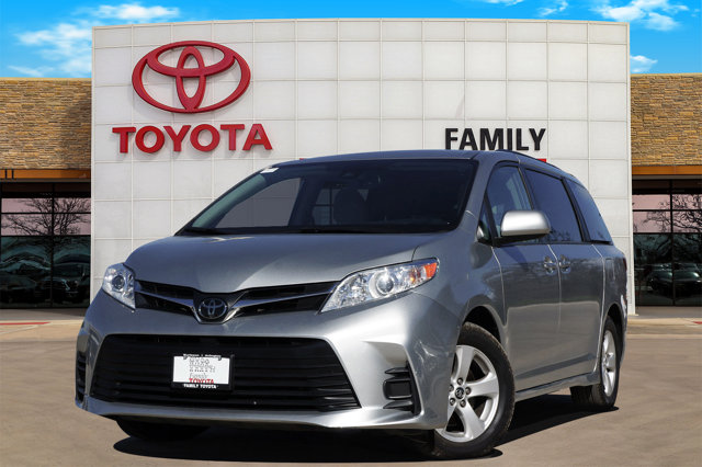 Used 2019 Toyota Sienna in Burleson, TX