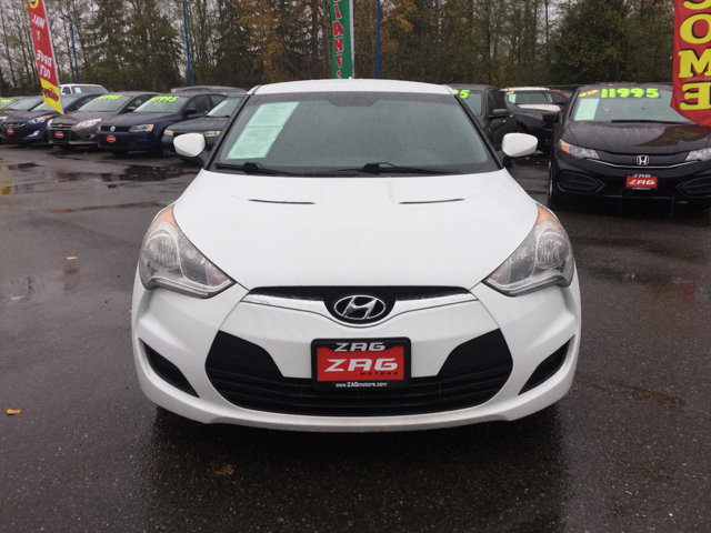 Used 2013 Hyundai Veloster 3dr Cpe Man w-Gray Int