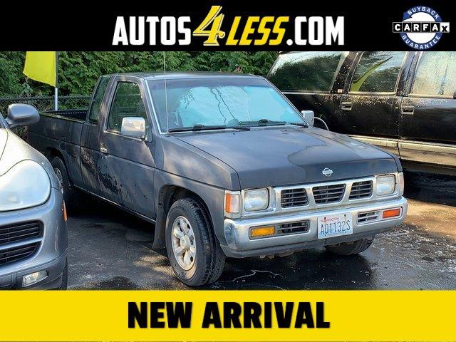 1996 Nissan Trucks 2WD SE