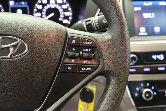 2016 Hyundai Sonata for sale 119836 17