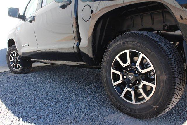 New 2017 Toyota Tundra 4WD SR5 CrewMax 5.5' Bed 5.7L FFV