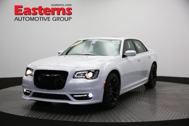 2019 Chrysler 300 300S V8 4dr Car