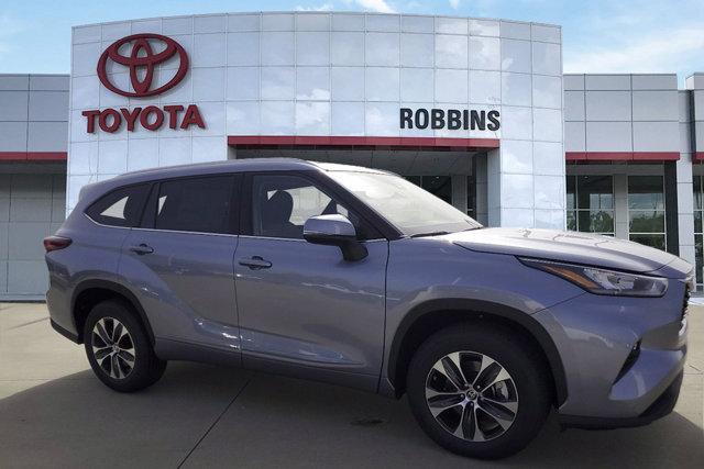 New 2020 Toyota Highlander in Nash, TX