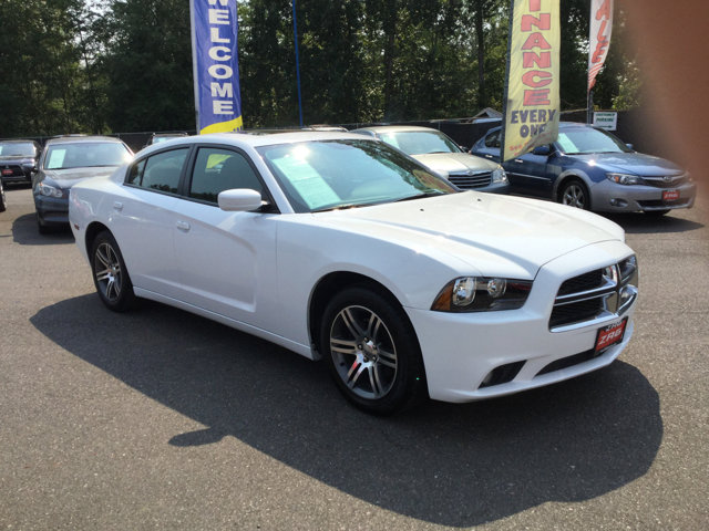 Used 2014 Dodge Charger 4dr Sdn SXT Plus RWD