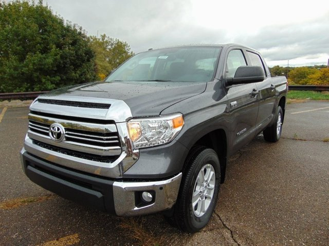 New 2017 Toyota Tundra in Akron, OH