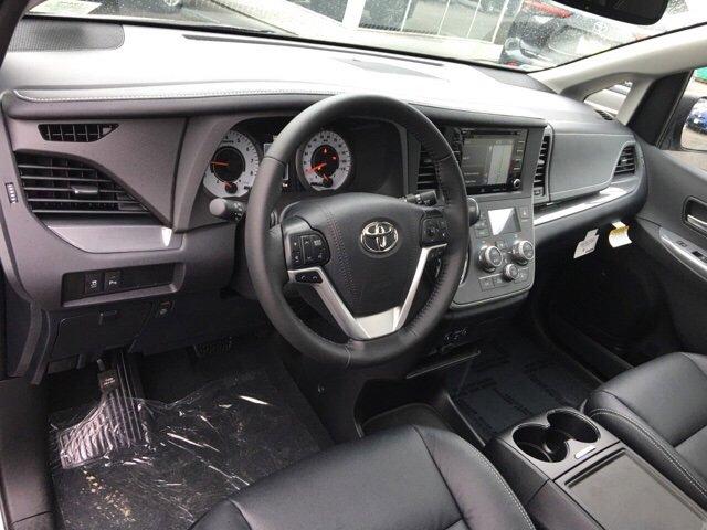 New 2020 Toyota Sienna SE AWD 7-Passenger