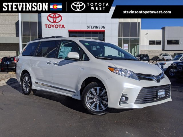 New 2020 Toyota Sienna in Lakewood, CO