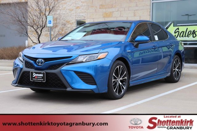 New 2020 Toyota Camry Hybrid in Granbury, TX