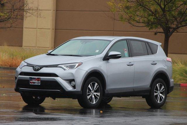 2018 Toyota RAV4 XLE 8